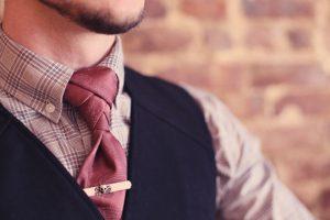 Fancy tie knot